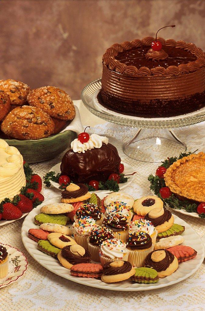 674px-Desserts
