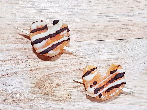 brochetas de mandarina para san valentin corazon