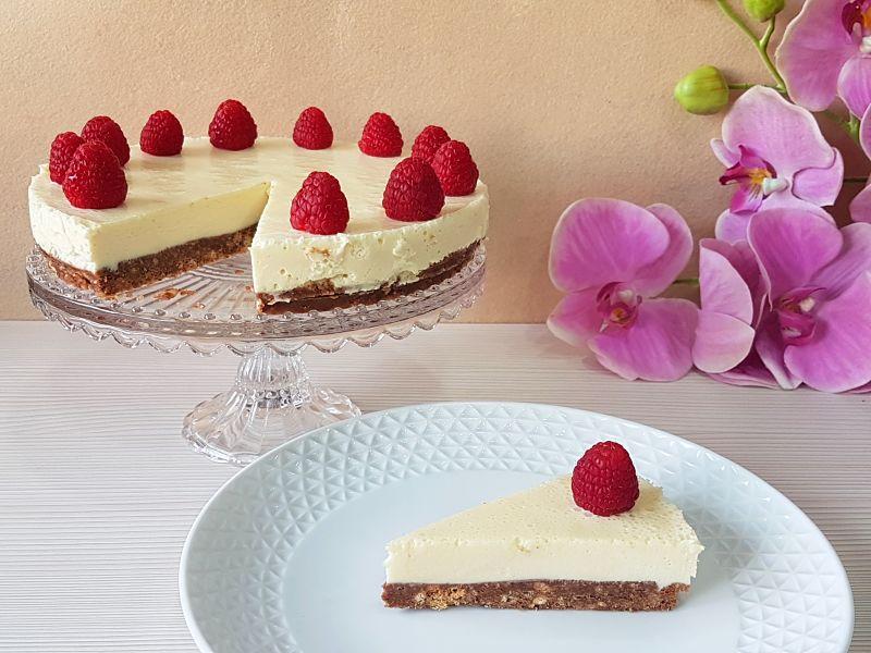 tarta de mascarpone y chocolate blanco sin azucar - porcion