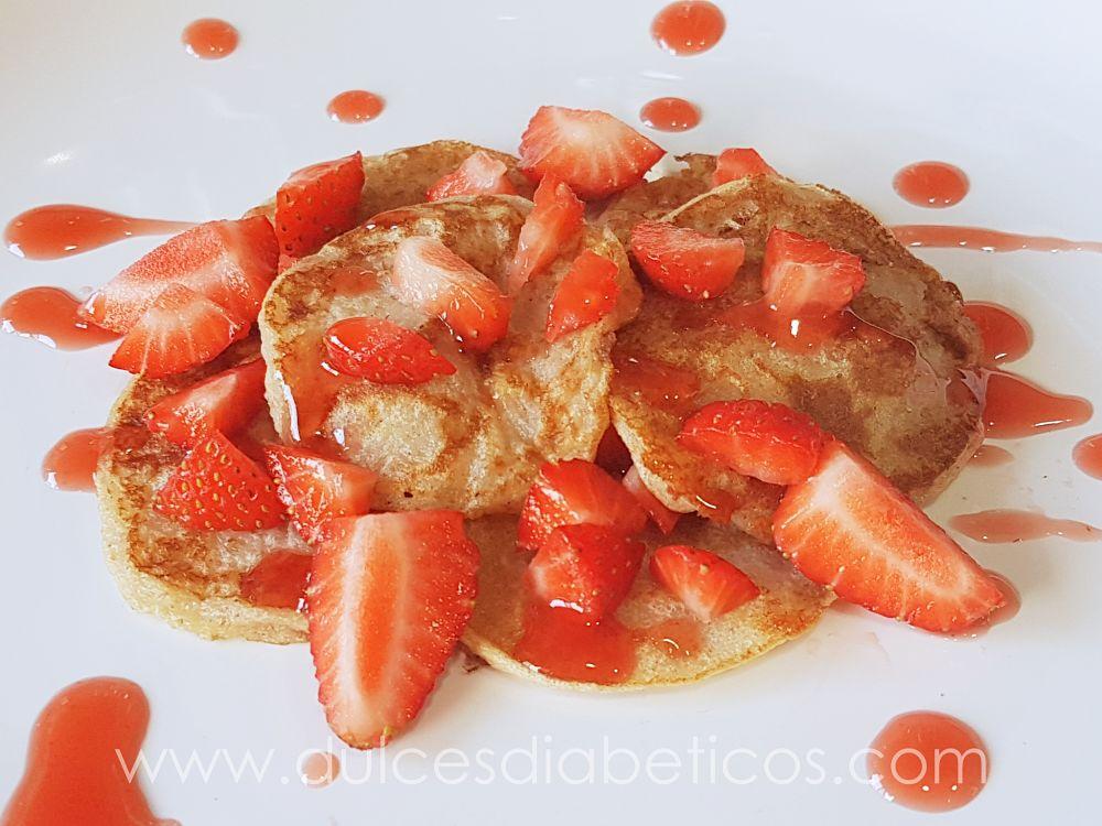tortitas de manzana con fresas - dulces diabeticos