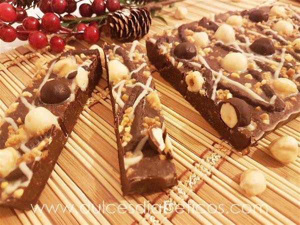 Turron de praline de avellanas y chocolate