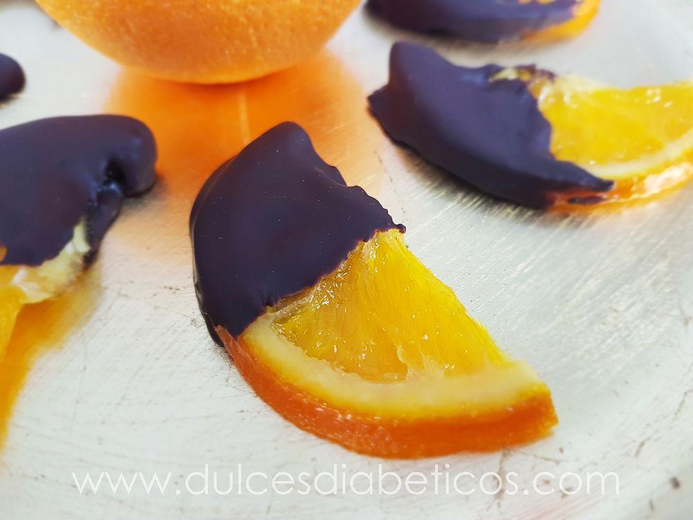 Naranjas confitadas con chocolate sin azucar