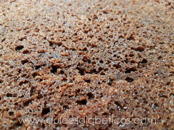 Bizcocho de chocolate sin azucar esponjoso