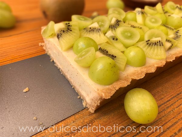 Tarta de kiwi y uva light
