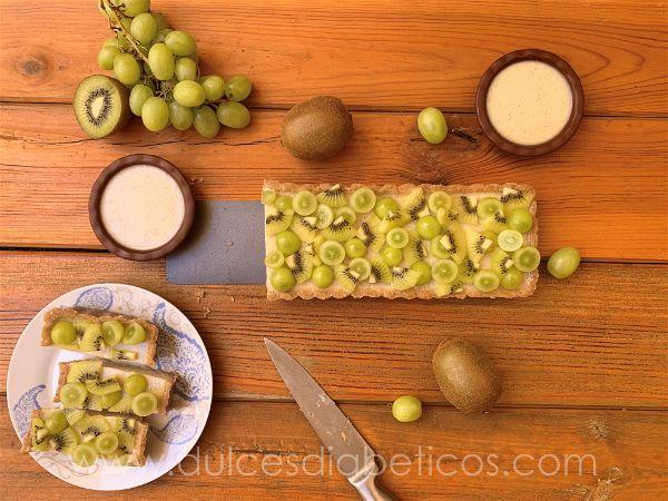 Tarta de kiwi y uva saludable sin azucar
