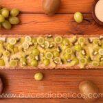 Tarta de kiwi y uva saludable