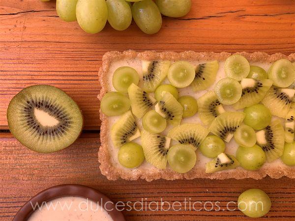 Tarta de kiwi y uva