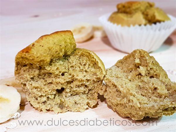 Textura esponjosa de los muffins de avena y platano