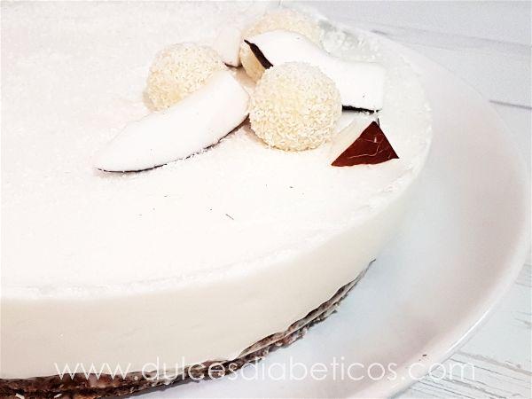 Tarta de coco y chocolate blanco sin azucar