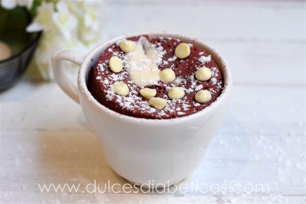 Red velvet cake en taza al microondas